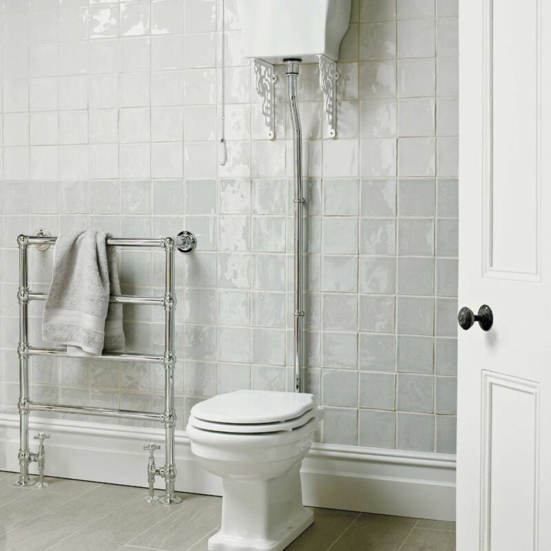 Toiletter med højt skyl